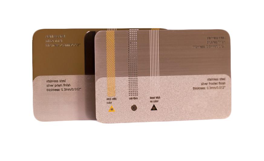 tarjeta-metalica-acero