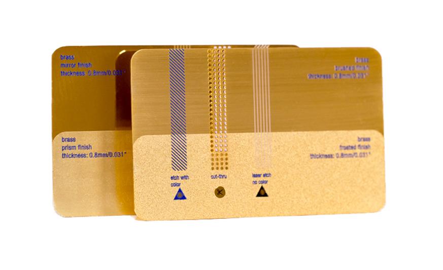 tarjeta-metalica-oro